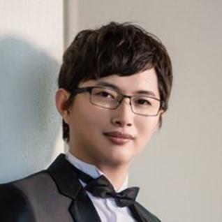 六角學院創辦人  廖洧杰老師